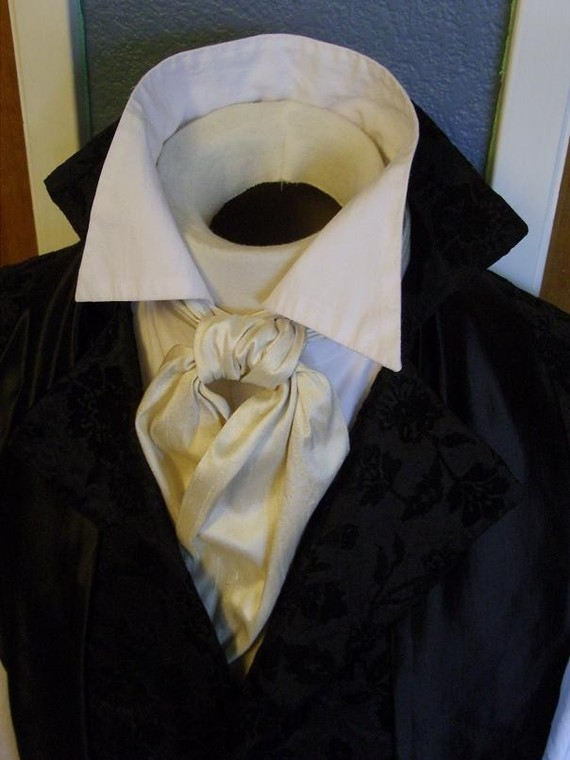 A Regency Primer on 3 Ways to Tie a Cravat